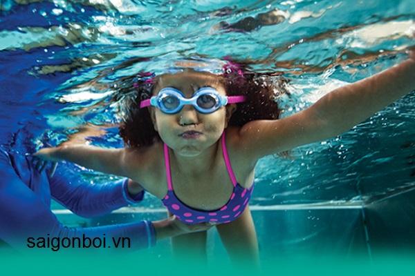 Dạy học bơi uy tín ở Sài Gòn - 100% biết bơi ếch cơ bản