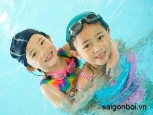 Trung tâm dạy bơi cho trẻ em uy tín tại TPHCM - 100% biết bơi